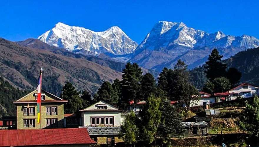 View of Numbur Himal