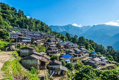Beautidul Sikles Village Nepal